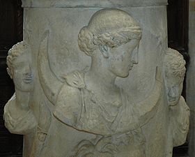 280px-Altar_Selene_Louvre_Ma508